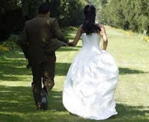 """""""محمد"""" يكتشف أنّ زوجته """"رجل"""" .. بعد أسبوعَيْن من الزواج!"""