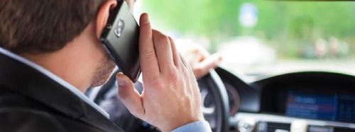 استخدام الهاتف أثناء القيادة يغيّر موجات الدماغ