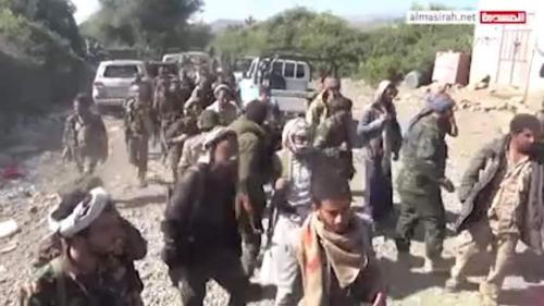 """عشرات الأطقم والمدرعات الحوثية تداهم قرى""""الزواقر"""" المحاذية لمنطقة الحيمة وتنفذ عملية إعدام جديدة"""