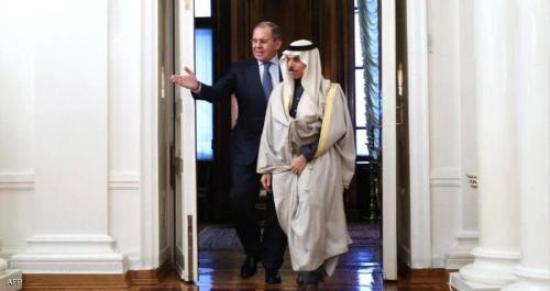 خلال لقاءه نظيره السعودي في موسكو.. وزير خارجية روسيا يرحب بموقف المملكة الداعي لتسوية الأزمة في اليمن