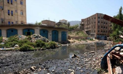 صحفي مغربي يبشّر اليمنيين بانتهاء الحرب ويكشف عن الأسباب