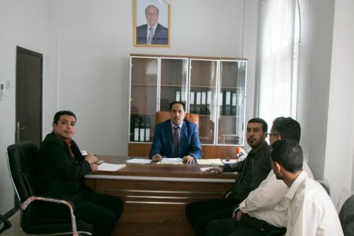 الوزير نايف البكري يجتمع بقطاع الشؤون المالية والادارية بالوزارة