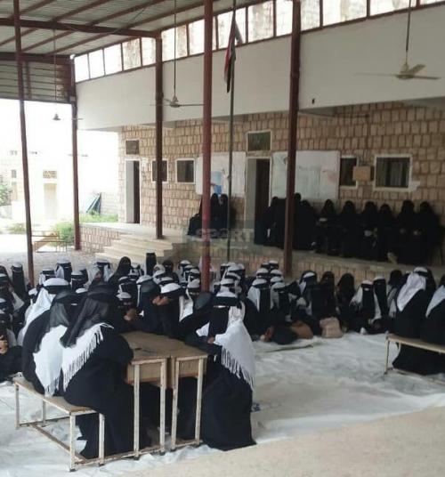 مجمع بروم للبنات بطلا للمسابقة المنهجية للتعليم الأساسي والثانوي