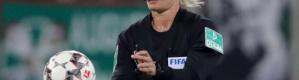 """إيران تقطع بث مباراة في البوندسليغا بسبب ظهور """"امرأة"""""""