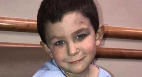 الطفل البطل ينقذ شقيقته وستة أشخاص وكلب من موت محقق