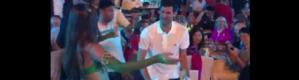 """بالفيديو.. دجوكوفيتش يظهر مع راقصة شرقية بدبي و""""حد السيف"""" على رأسه"""