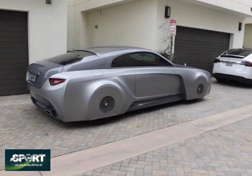 جاستن بيبر يلفت الانظار بسيارة رولز رويس رايث من العالم الإفتراضي.