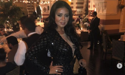 """بعد الفيديو الإباحي..""""شاهد"""" الممثلة المصرية رانيا يوسف تعود لإثارة الجدل من جديد بإظهار مؤخرتها"""