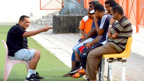جمال نديم يقدم استقالته من تدريب شمسان