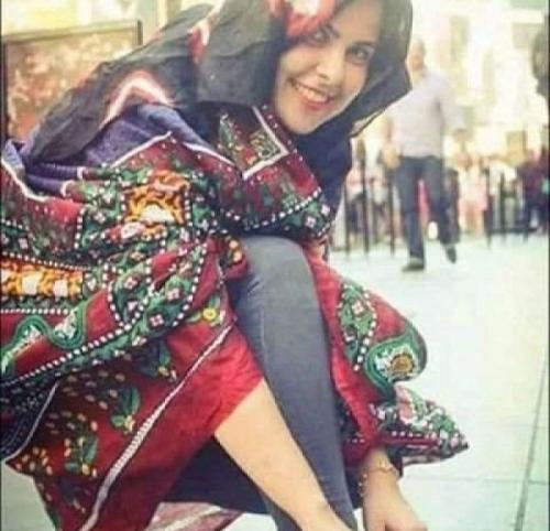 شابة يمنية تعلن عبر الانترنت:أريد زوج يمني يقدر وضعي المعيشي ويسترني ويستر والدي ووالدتي المسنان