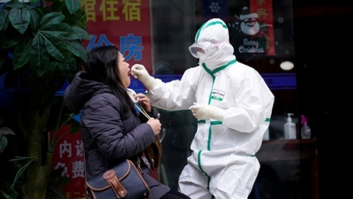 بريطانيا تدرس قطع العلاقات مع الصين بسبب وباء كورونا