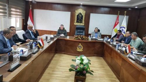 تنسيق عمل مشترك بين المؤسسة الاقتصادية اليمنية والمؤسسة العسكرية المصرية.