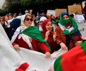 في الجمعة التاسعة.. الجزائريون يريدون مزيدا من التنازلات