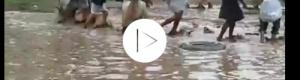 شاهد فيديو مثير يشعل مواقع التواصل الإجتماعي بأغرب رقصة برع في تاريخ اليمن .. ويفجر موجة عاصفة من الضحك والسخرية !!