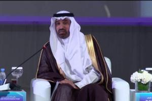 السلطات السعودية تتدخل وتصدر القرار الغريب بشان العمل في شركات ومحلات القطاع الخاص