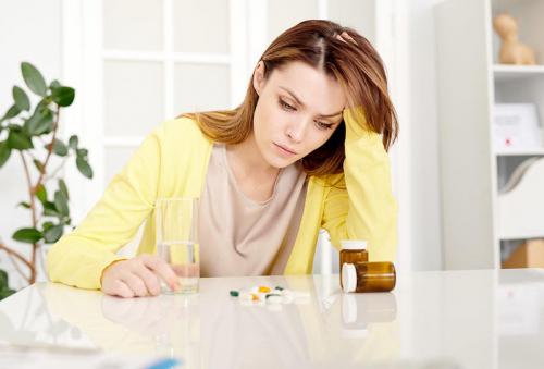 أكثر شيوعاً عند النساء.. ما هي أسباب مرض الوهم وعلاجه؟