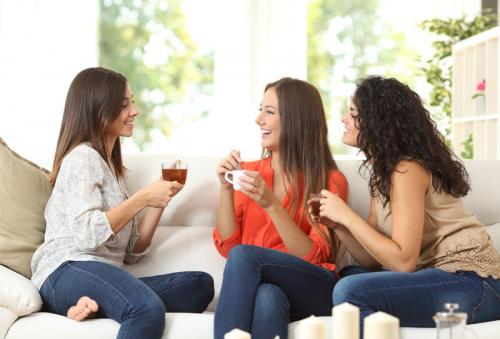 طرق لقضاء وقت ممتع مع الصديقات بالمنزل
