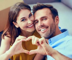 علامات تدل على محبة زوجك لك