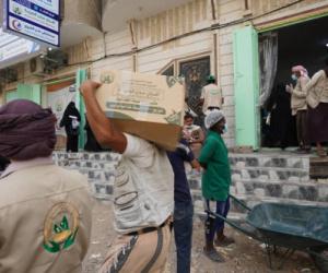 أفران عدن الخيرية تدشن توزيع السلة الغذائية الرمضانية بعدن ويافع