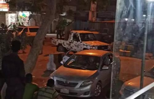 قوات أمنية تقتحم منزل مسؤول عسكري في عدن