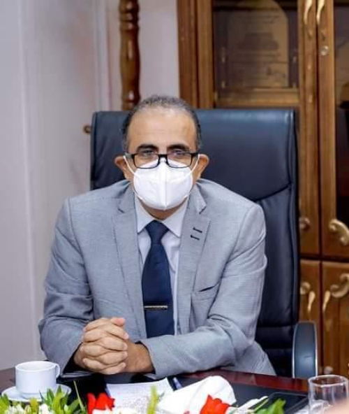 وزير الصحة يحذر من استمرار التجمعات بالأسواق ويطالب المواطنين بالالتزام بالإجراءات الوقائية