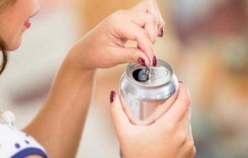 دراسة تكشف تأثير المشروبات الغازية على خصوبة الرجل والمرأة