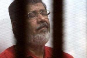 أول فيديو لوفاة الرئيس المصري السابق محمد مرسي وماذا حدث أثناء المحاكمة؟