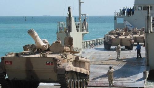 20دبابة اماراتية تغادر مدينة عدن