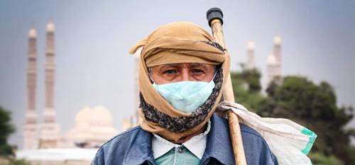 طبيب يمني يخترع علاجاً لكورونا وشفاء 40 مصاب بعد يومين من استخدامه