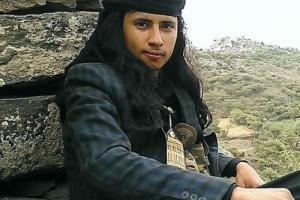 آخر صورة للشاب الشرعبي الذي قتل اسرته واثنين من العسكر ومازال محاصر