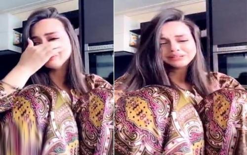"""شاهد ..  بالفيديو : عارضة أزياء يمنية """" حسناء """" تنهار من البكاء بعد ضياع جهد 3 سنوات !"""