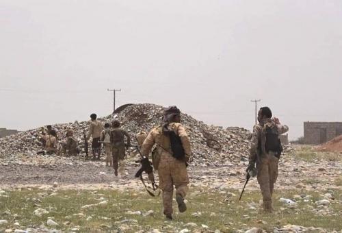 الحوثي يقطع الامدادات على القوات الحكومية في البيضاء والمعارك تدور الان على حدود مارب