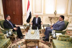 وكالة سبأ تنشر اول صورة رسمية للرئيس هادي بعد انباء دخوله في غيبوبة .. شاهد التفاصيل