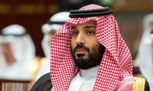 """عطر الأمير """"محمد بن سلمان"""" يشعل مواقع التواصل والسعوديون يتهافتون عليه"""