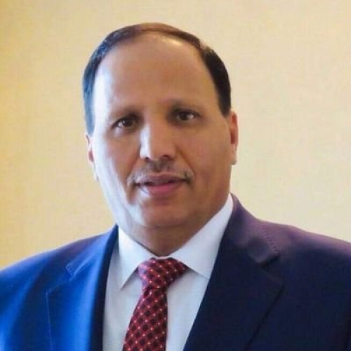 عبدالعزيز جباري يطالب برئيس حضرمي للحكومة اليمنية