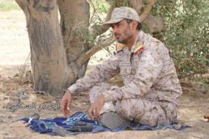 شاهد صورة حديثة لرئيس أركان الجيش اليمني تشعل مواقع التواصل