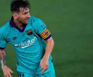 رئيس برشلونة يهاجم ريال مدريد.. ويحسم رحيل ميسي
