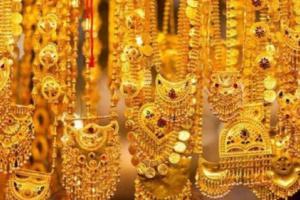 انخفاض كبير في أسعار الذهب بالأسواق اليمنية