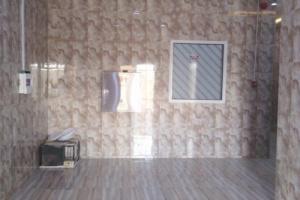 قيادات الشرعية من فنادق الرياض الفارهة إلى هذه العمارة المتواضعة (صور)