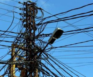 """""""الربو في المسجد"""" صورة تختزل أزمة الكهرباء الطاحنة في لبنان"""