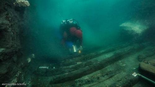 """مصر.. اكتشاف سفينة حربية """"أبحرت"""" في النيل منذ آلاف السنين"""