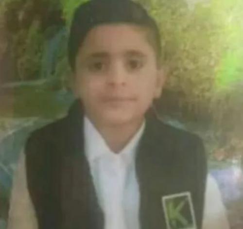 فيديو:  عناصر قبلية تقتل طفل عمره عشر سنوات في بقالة  بداعي الثأر