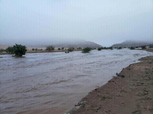 بالصور .. حقيقة الخطر الذي يشكله تدفق السيول على سد مارب العظيم