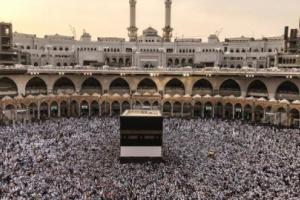 شاهد بالفيديو... مواطن سعودي يدعي أنه المهدي المنتظر ويثير جدلا واسعا على مواقع التواصل الاجتماعي
