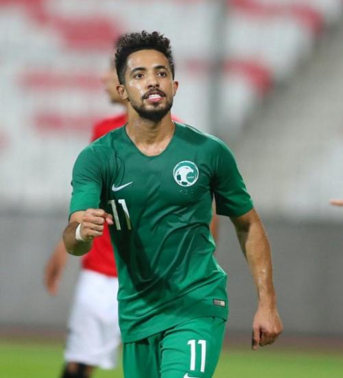 اللاعب هتان باهبري يبرر المستوى والنتيجة السعودية امام منتخب اليمن