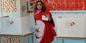 """تونس.. ساعات الصمت والانسحاب """"التكتيكي"""""""