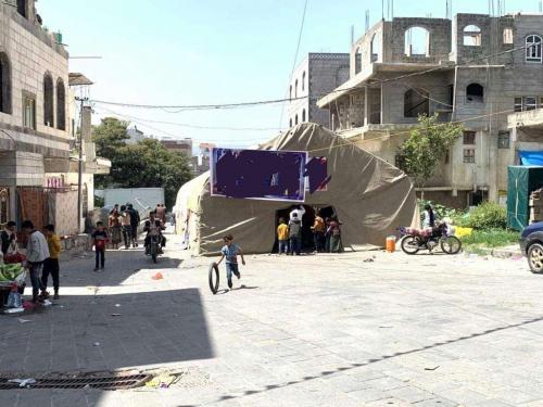 اعلامي يكشف عن ظاهرة غريبة تنتشر في شوارع إب .. صورة