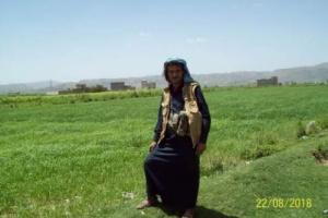 """الكشف عن أول صورة للمتحوث قاتل """"أخته"""" بسبب العشاء في محافظة إب ومطالبات بإعدامه"""