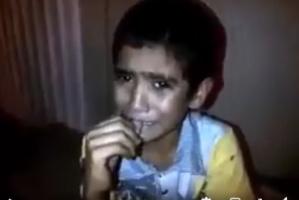 شاهد بالفيديو ..سعوديات يتنمرن على طفل يمني ويجعلنه يبكي بحرقة
