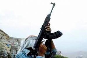 """بسبب تصوير زوجته..""""يمني"""" يعترف بقتل ابن عمه وزوجته الحامل وإصابة طفلهما"""